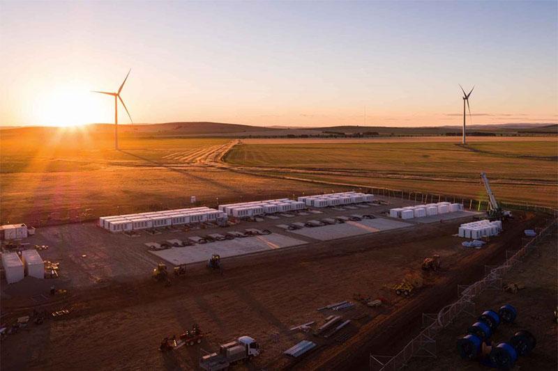 Cторидж Hornsdale Power Reserve потужністю 100 МВт та ємністю 129 МВт⋅год фото