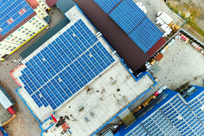 Крышная солнечная электростанция для предприятия фото