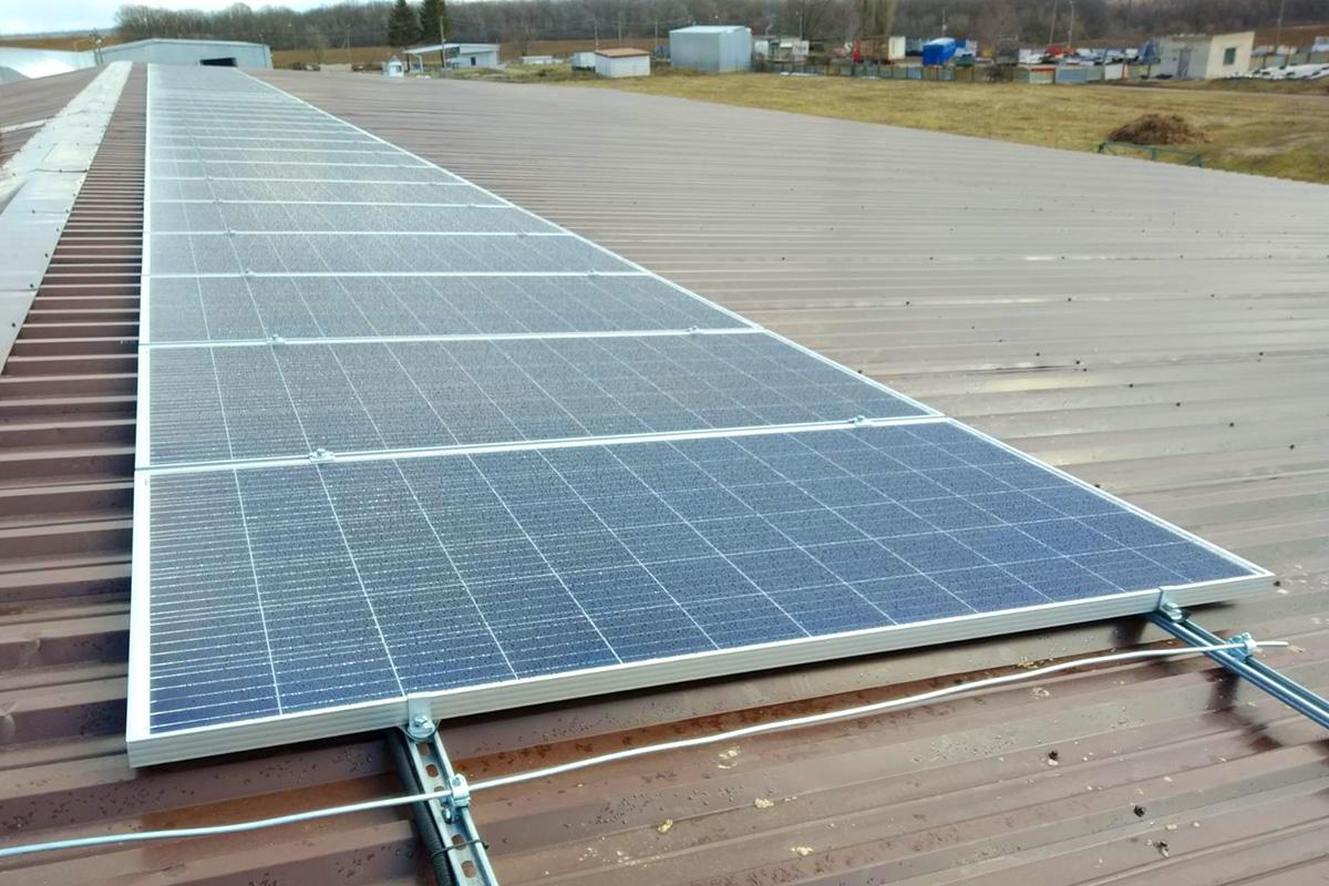 Розпочато монтаж інтегрованої системи сонячної генерації з функцією зберігання електричної енергії