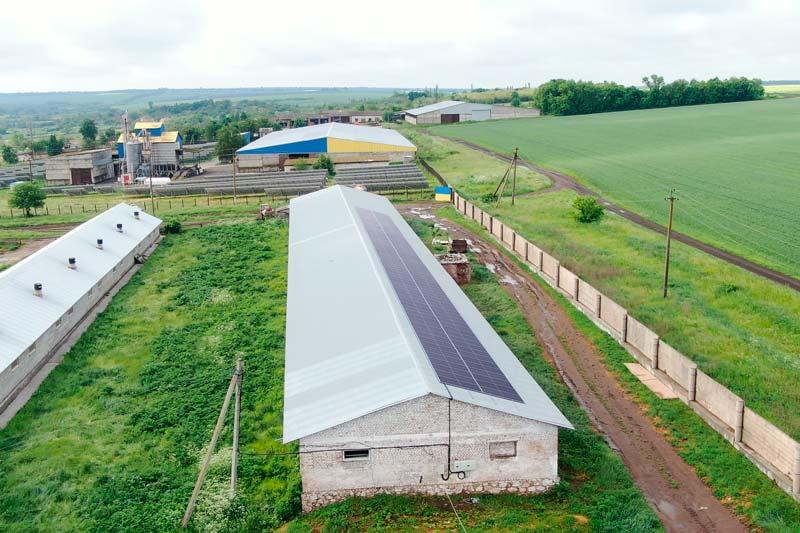 Завершено монтаж трьох дахових сонячних електростанцій (СЕС)